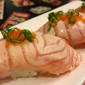 seared salmon sushi